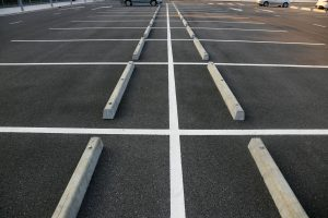 asphalt parking lot that does not need crack paving services