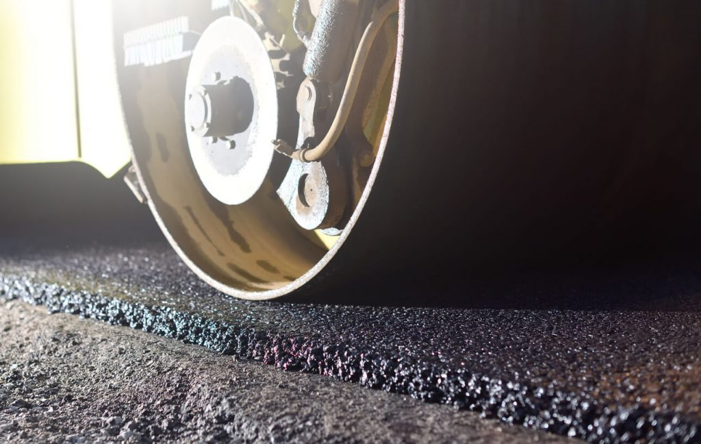 2020 Guide to Asphalt Overlay Cost for Commercial Properties