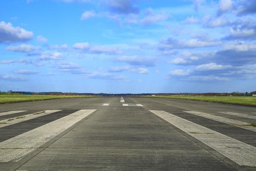 airport runway pavement